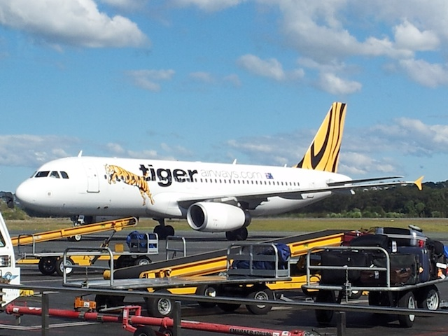 Tiger Airways Airbus A320 Coming To Gate
