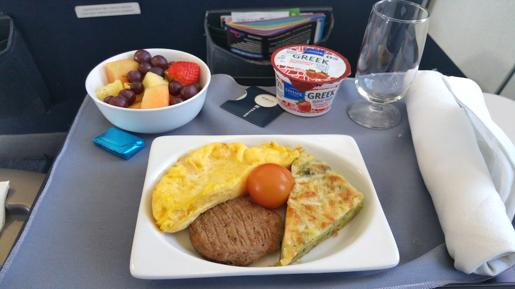 UA369 LGA to IAH - Breakfast