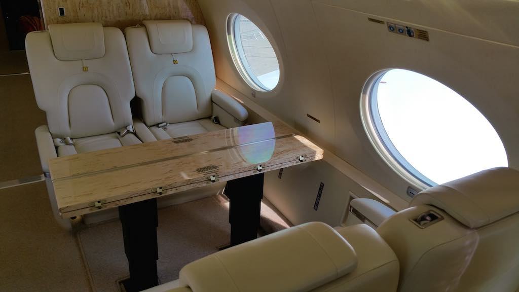 Gulfstream G650ER Seats and Table