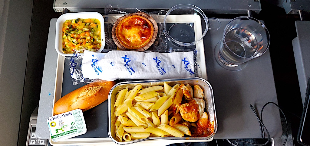 Economy Class meal on XL Airways Paris to LAX